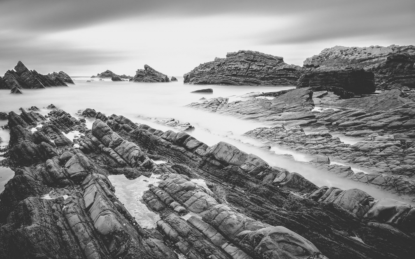 Hartland Rocks Preset Shop cover 11 1440x900 Photographer Feature | Sean Byrne